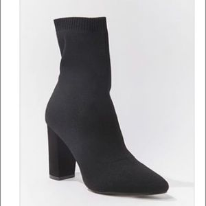 Forever 21 Ribbed Sock Ankle Boots Sz. 7
